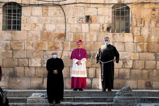 رجال الدين بالكنيسة