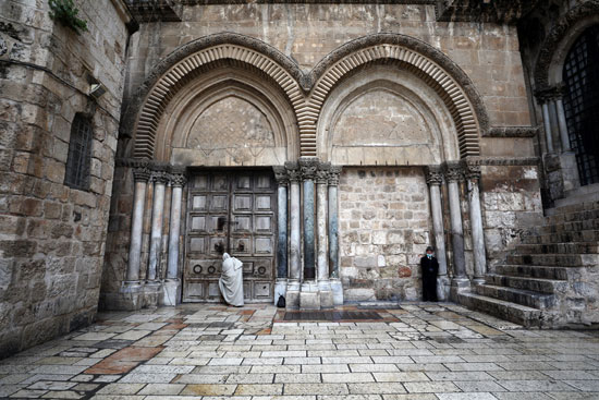 غلق أبواب كنيسة القيامة