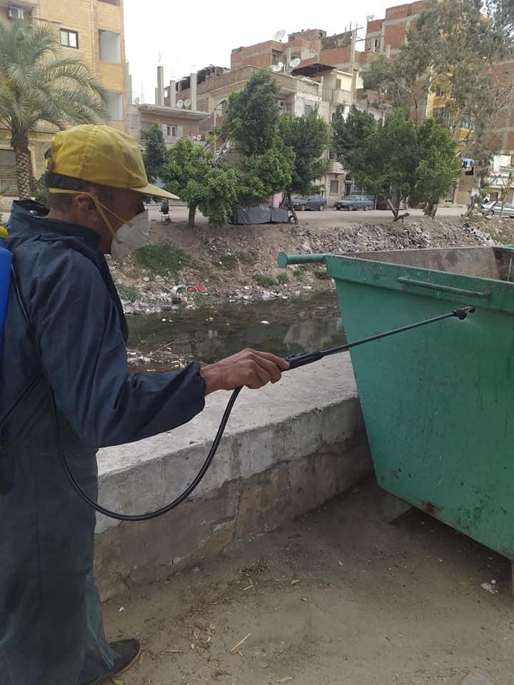 حملة مكبرة لتطهير وتعقيم شوارع مدينة أبو حماد بالشرقية (2)