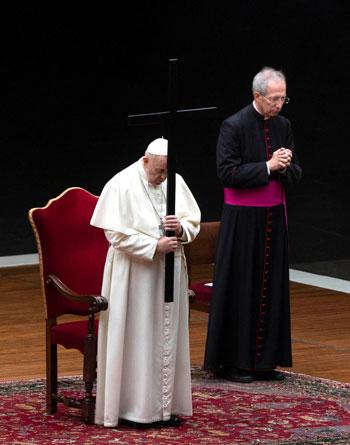 البابا فرانسيس أثناء المراسم