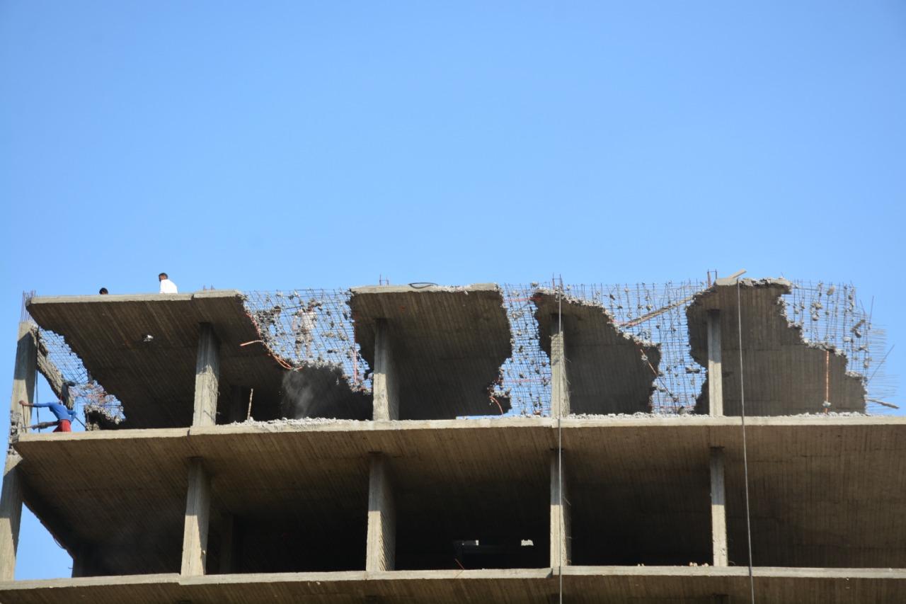إزالة المباني المخالفة ببنها