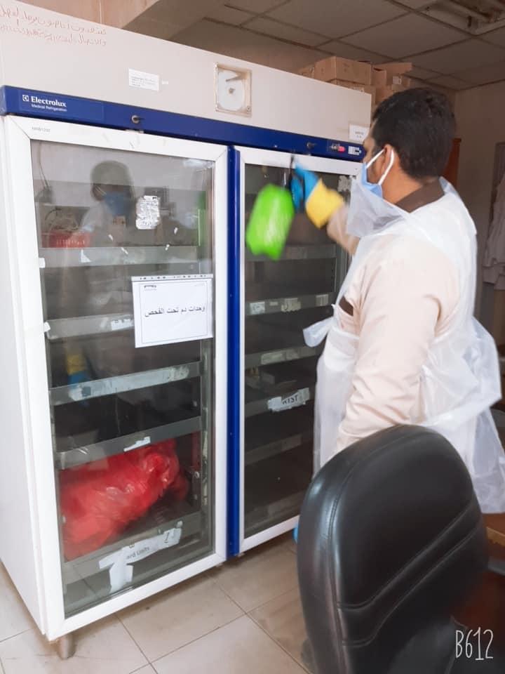 عمليات التعقيم داخل مركز بنك الدم بالأقصر