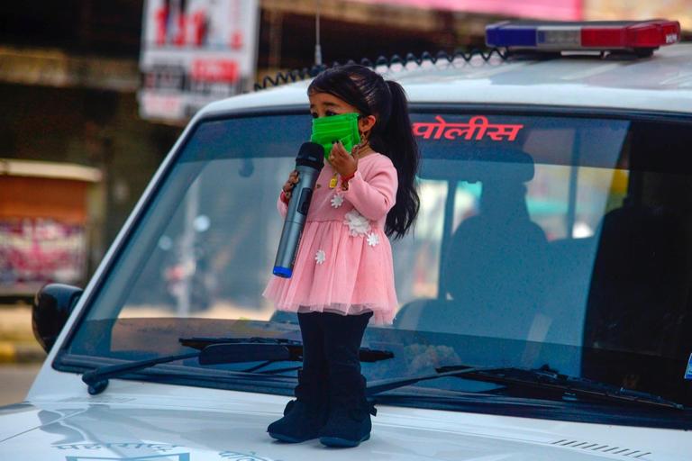 121-112708-shortest-woman-india-2