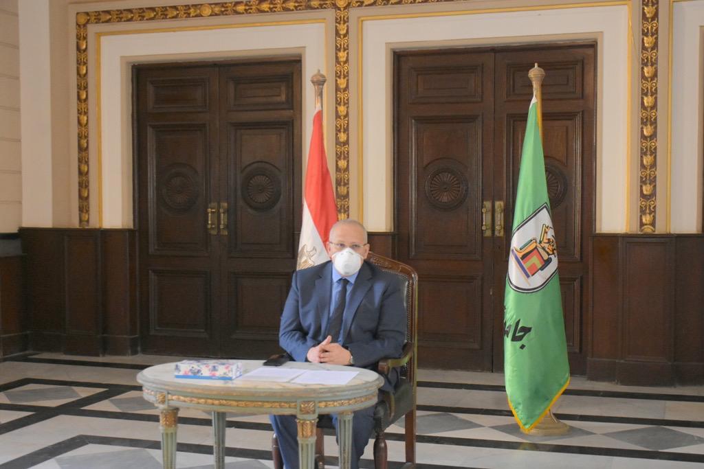 اجتماع رئيس جامعة القاهرة (5)
