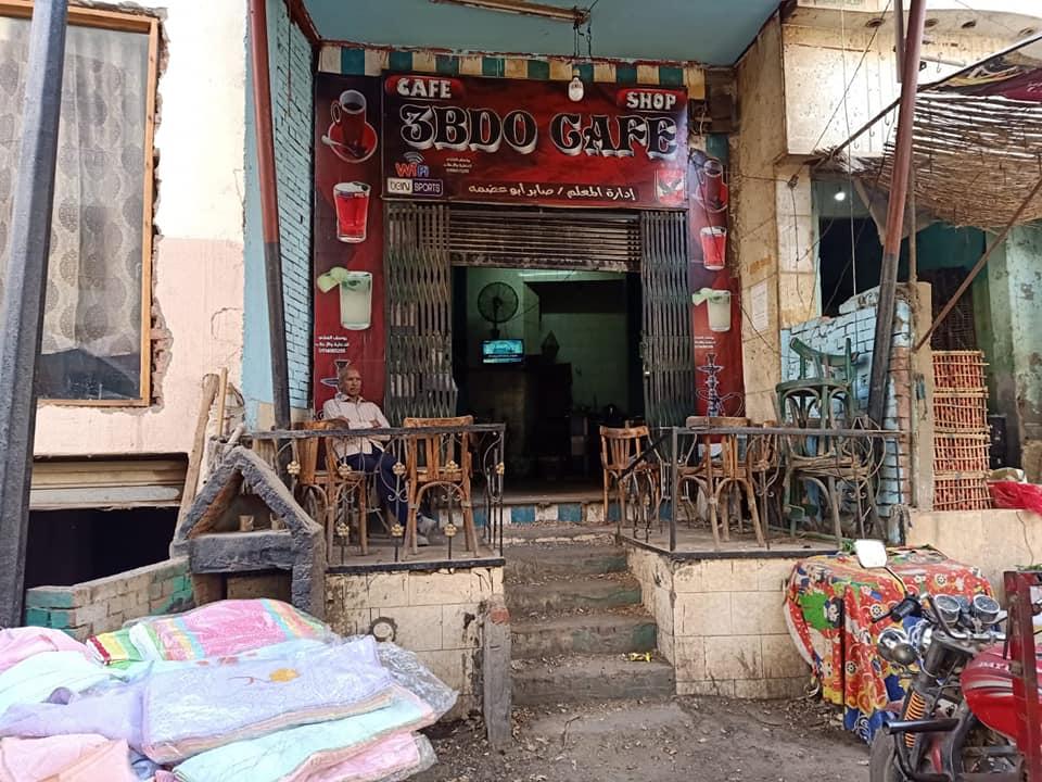 مقهى بالمعتمدية يعمل وسط الحجر الصحى (3)