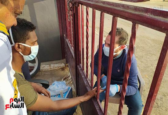 135046-جانب-من-علاج-فرد-أمن-على-بوابة-المستشفى