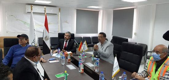 رئيس مدينة العلمين مع لجنة الإسكان بمجلس النواب (4)