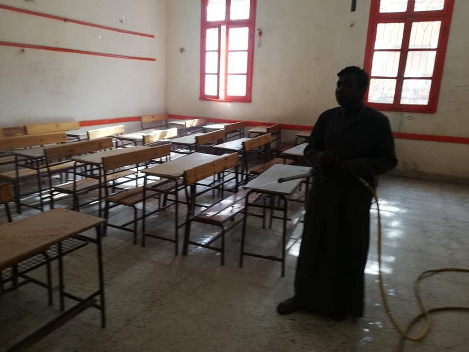 حملات تطهير مدارس الأقصر