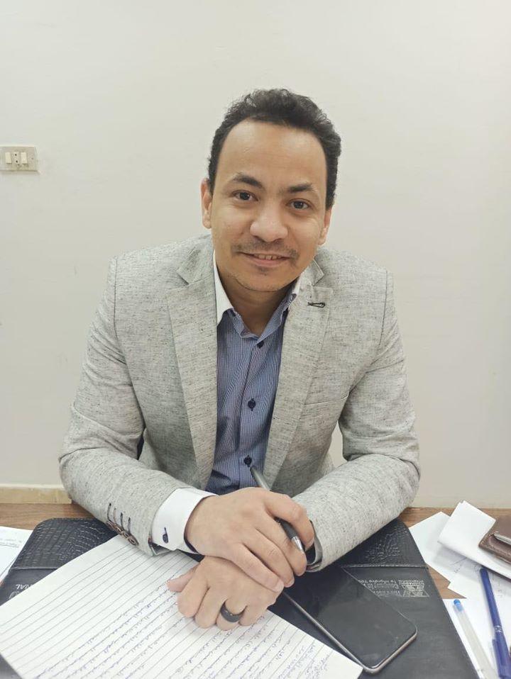 الدكتور محمد الرملى مدير مستشفى حميات الأقصر