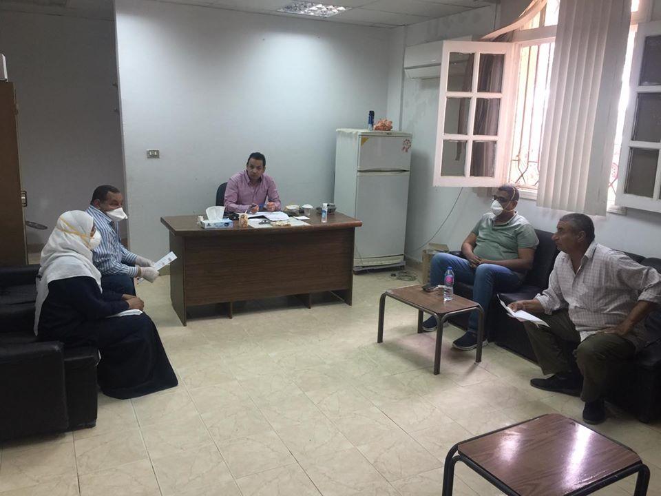 اجتماع لفريق مستشفى الحميات بالأقصر
