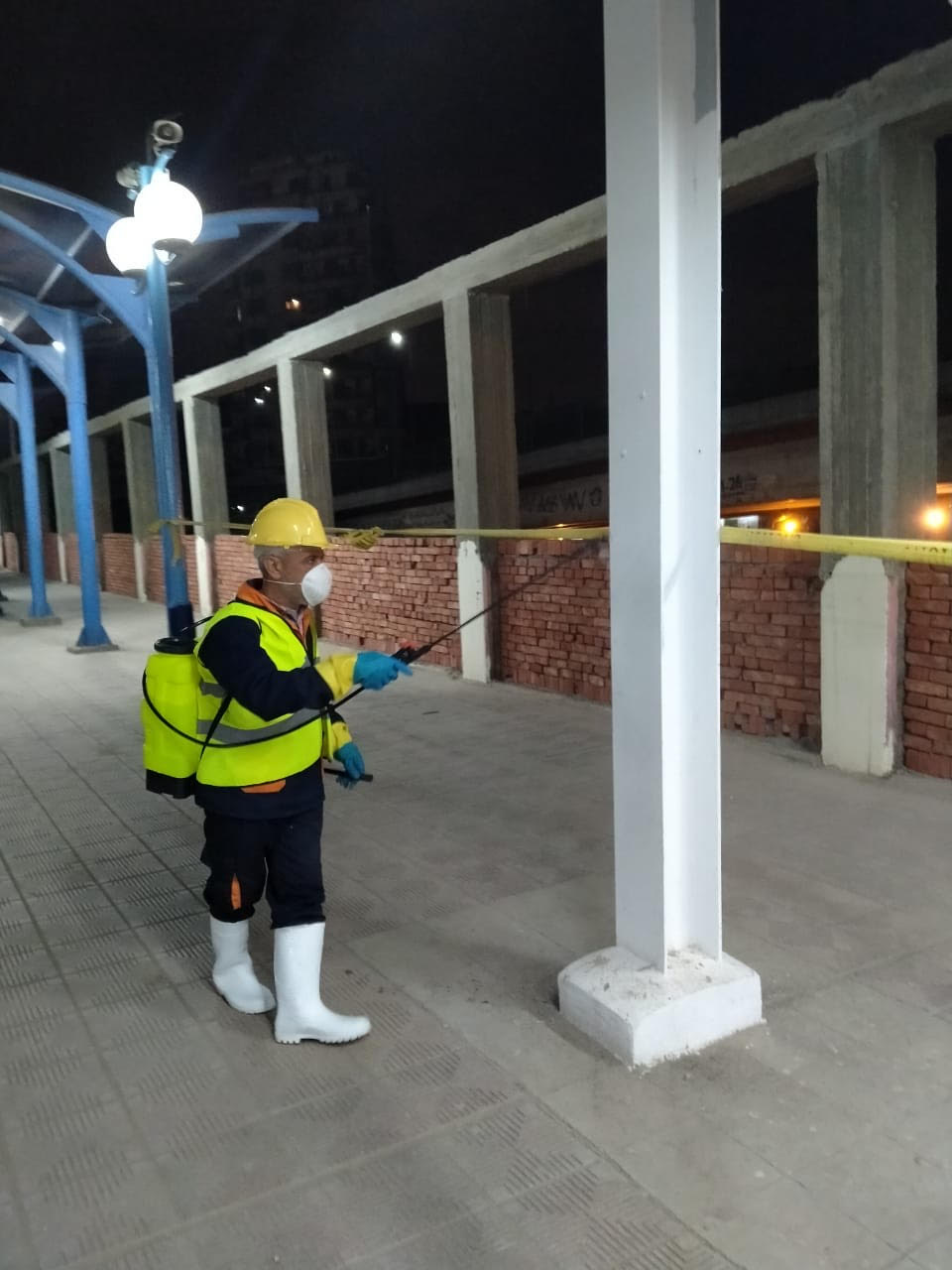 المترو يواصل أعمال تعقيم وتطهير القطارات والمحطات ضد كورونا (35)