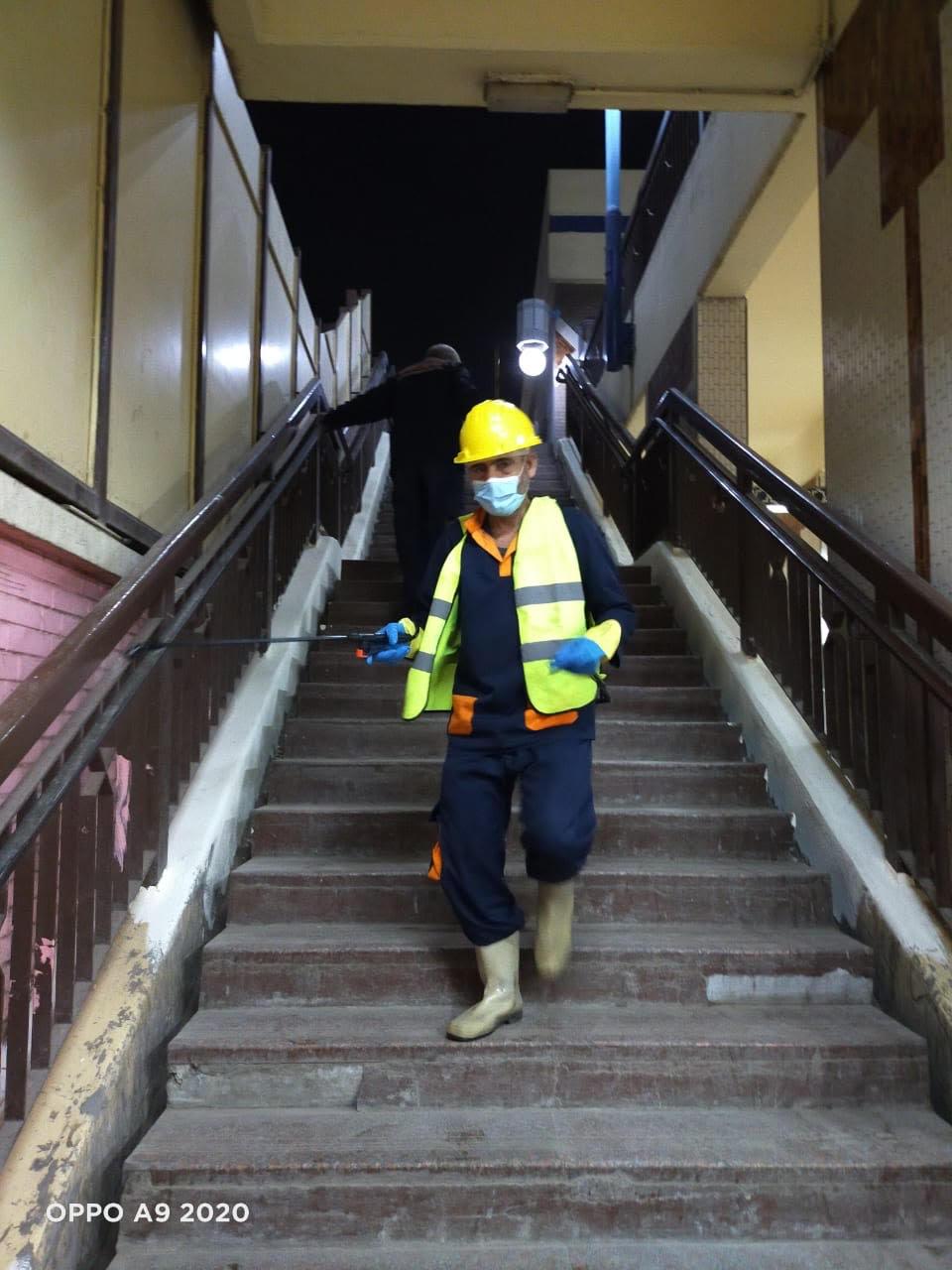 المترو يواصل أعمال تعقيم وتطهير القطارات والمحطات ضد كورونا (18)