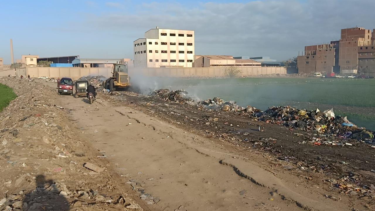 التنمية المحلية تزيل 400 طن قمامة ومخلفات بالخصوص (6)