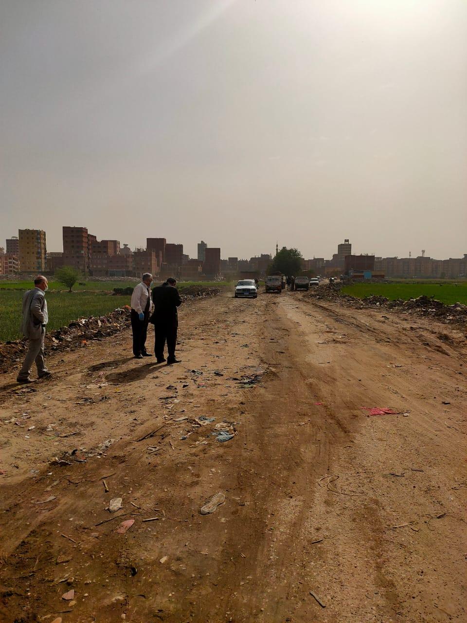التنمية المحلية تزيل 400 طن قمامة ومخلفات بالخصوص (2)