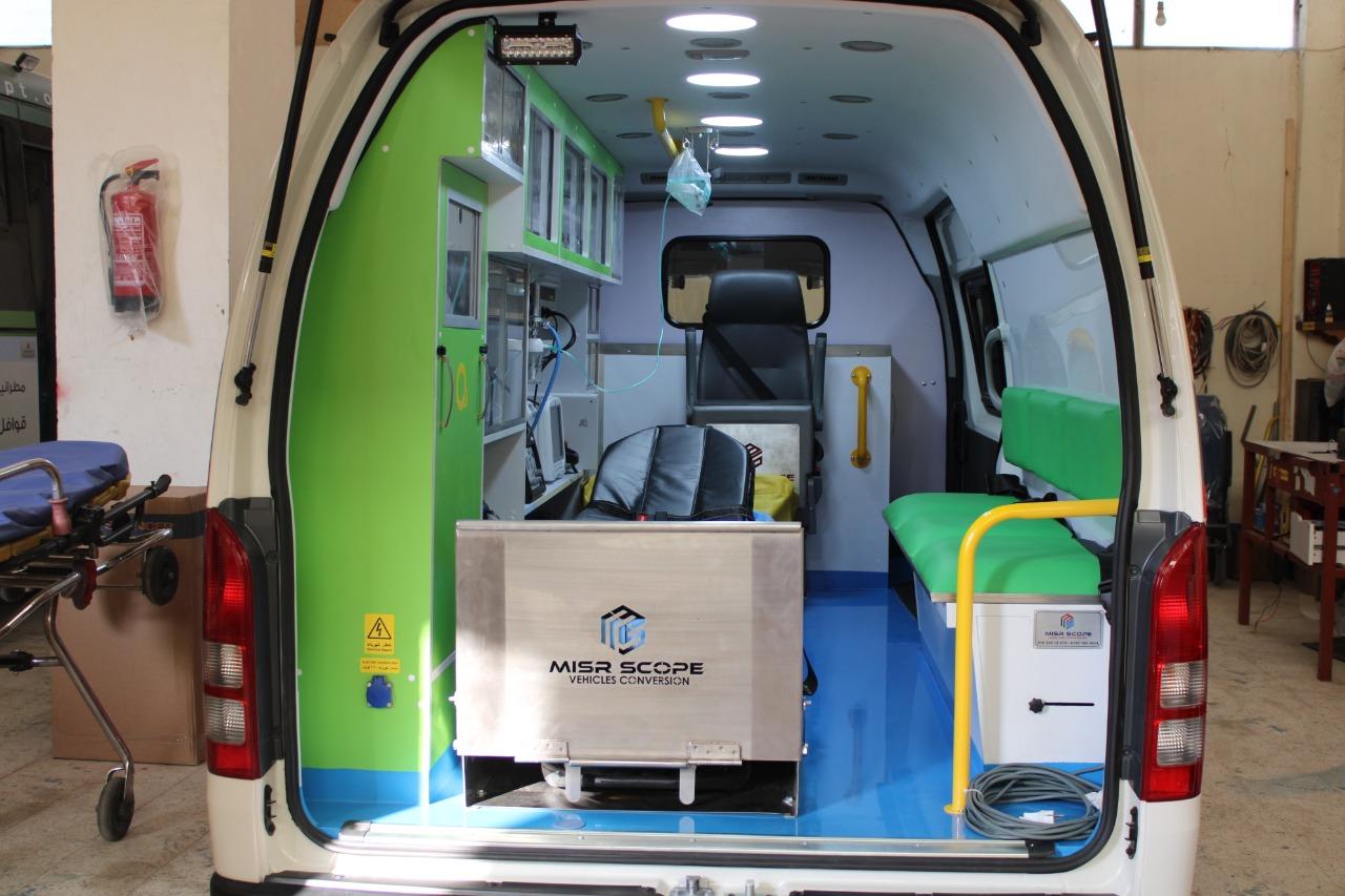 أجهزة عناية مركزة جديدة وإسعاف لمستشفى جامعة المنصورة (7)