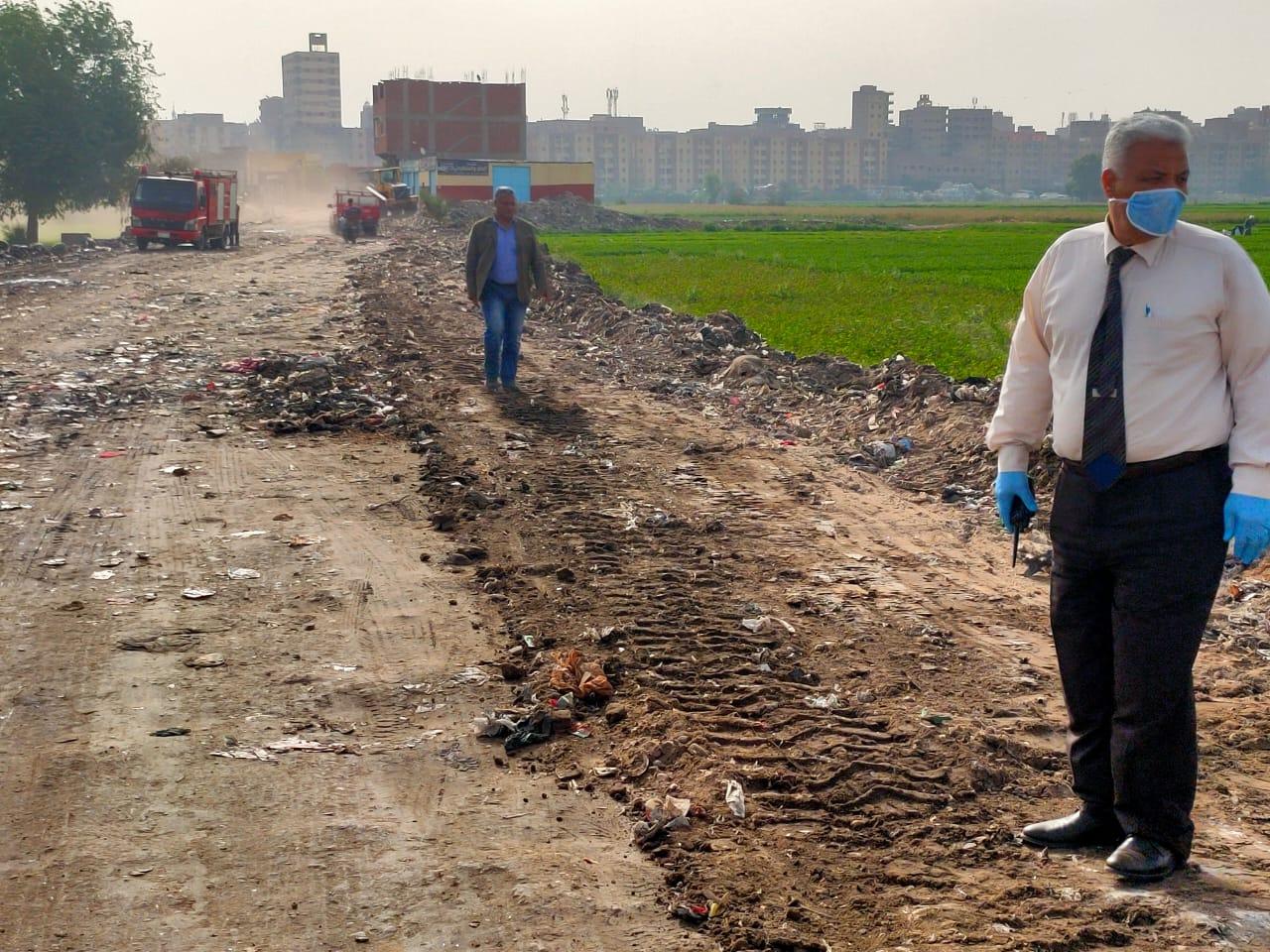 التنمية المحلية تزيل 400 طن قمامة ومخلفات بالخصوص (5)