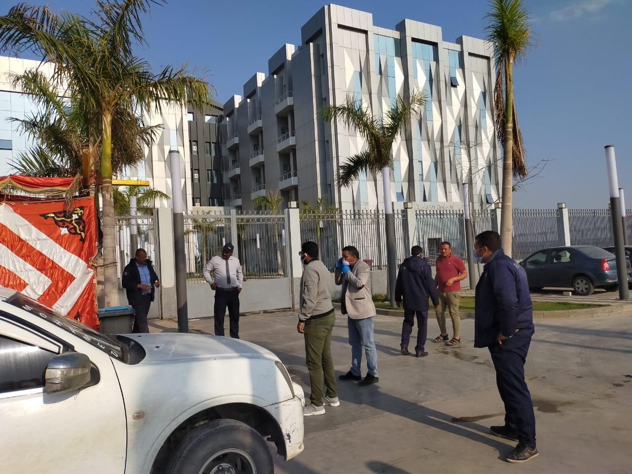تعقيم وتطهير مستشفى أبو خليفة للحجر الصحى بالإسماعيلية (5)