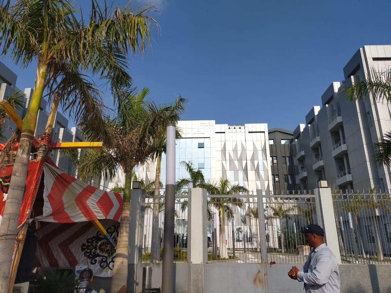 تعقيم وتطهير مستشفى أبو خليفة للحجر الصحى بالإسماعيلية (1)