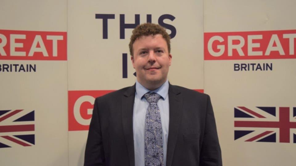 نائب رئيس البعثة الدبلوماسية بالسفارة البريطانية في بودابست، ستيفن ديك