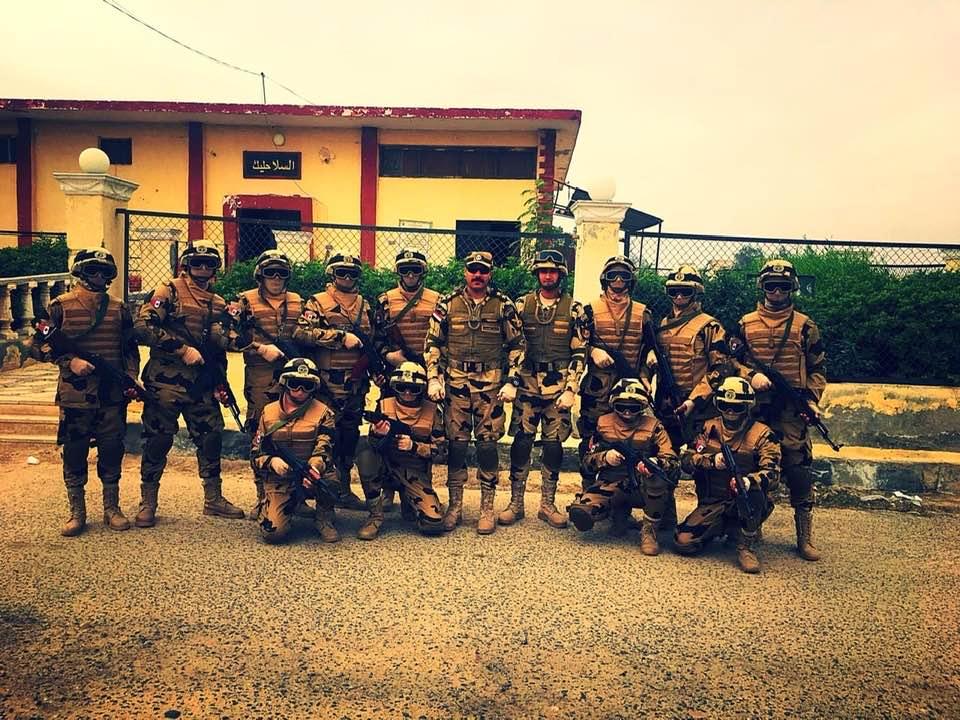 جنود الصاعقة والقوات المسلحة الحقييين