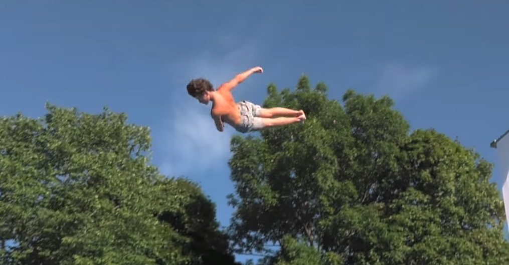 القفز على البطن