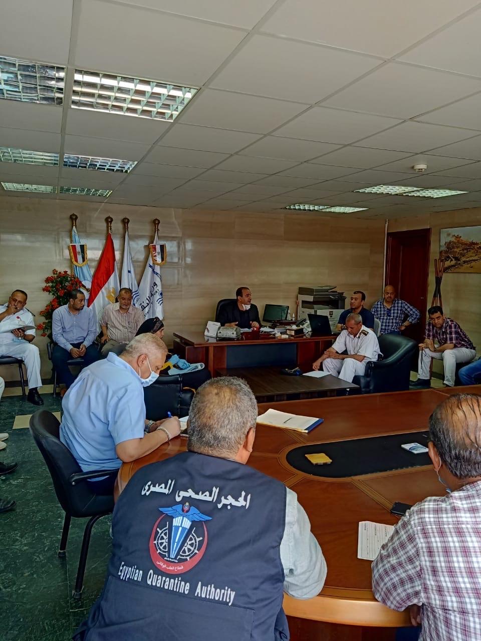 ميناء سفاجا يستقبل عبارة تقل 151 راكبا مصريا من العالقين بالسعودية (1)