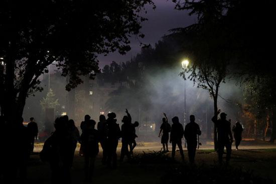 كر وفر بين المتظاهرين والشرطة فى تشيلى