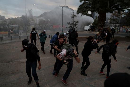 اصابة متظاهر بعنف الشرطة