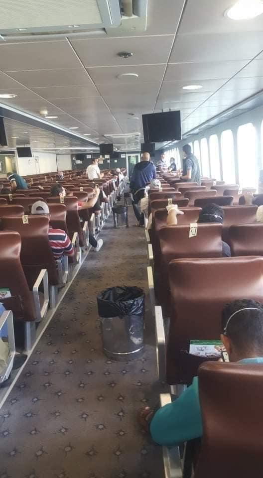 ميناء سفاجا يستقبل عبارة تقل 151 راكبا مصريا من العالقين بالسعودية (3)