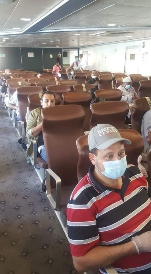 ميناء سفاجا يستقبل عبارة تقل 151 راكبا مصريا من العالقين بالسعودية (2)