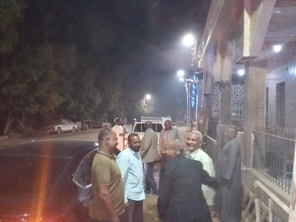 جانب من متابعة حظر التجوال بشوارع مدينة إسنا