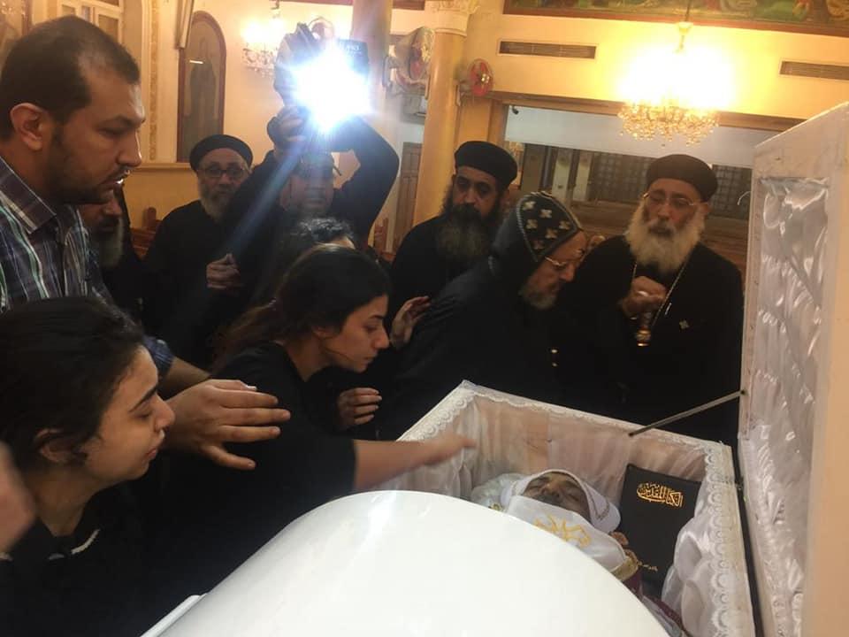 صلاة جنازة القمص بنيامين فؤاد