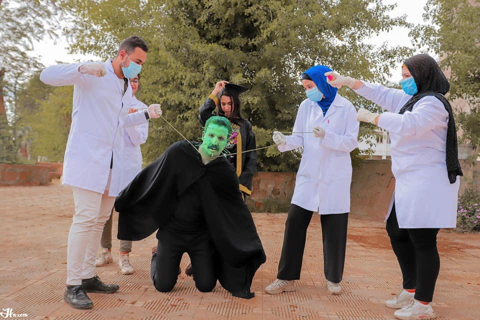 4 فوتوسيشن بقنا يكشف جهود الجيش الأبيض فى محاربة فيروس كورونا