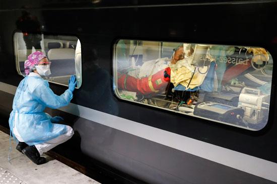 مريض فيروس كورونا داخل القطار فائق السرعة