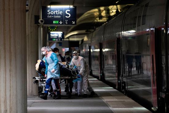 نقل المريض من القطار