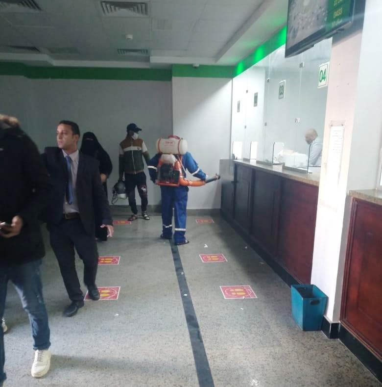 أعمال تطهير وتعقيم المحكمة والسنترال والبريد وبوابات مطار مطروح  (4)