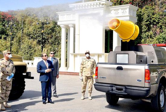 السيسي-يتفقد-معدات-القوات-المسلحة-لمكافحة-كورونا
