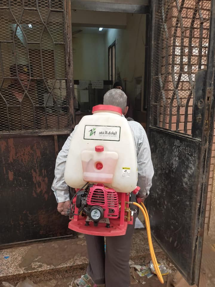 شباب قليوب يطهرون مكاتب البريد بعد انتهاء صرف المعاش 5