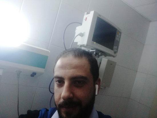 أحد المتعافين من كورونا بمستشفى العزل فى قها (12)