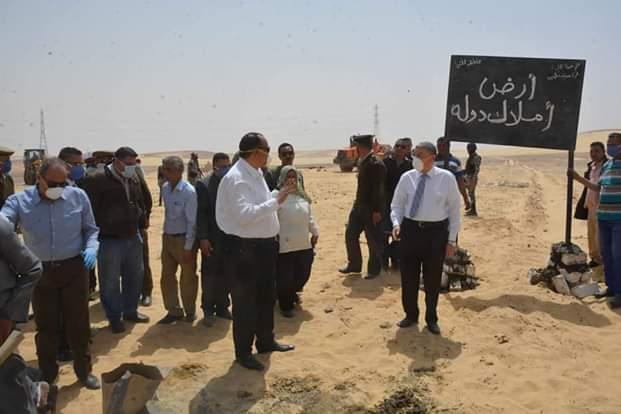 محافظ المنيا يقود حملة مكبرة لاسترداد أراضي الدولة (1)