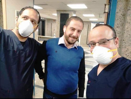 أحد المتعافين من كورونا بمستشفى العزل فى قها (5)
