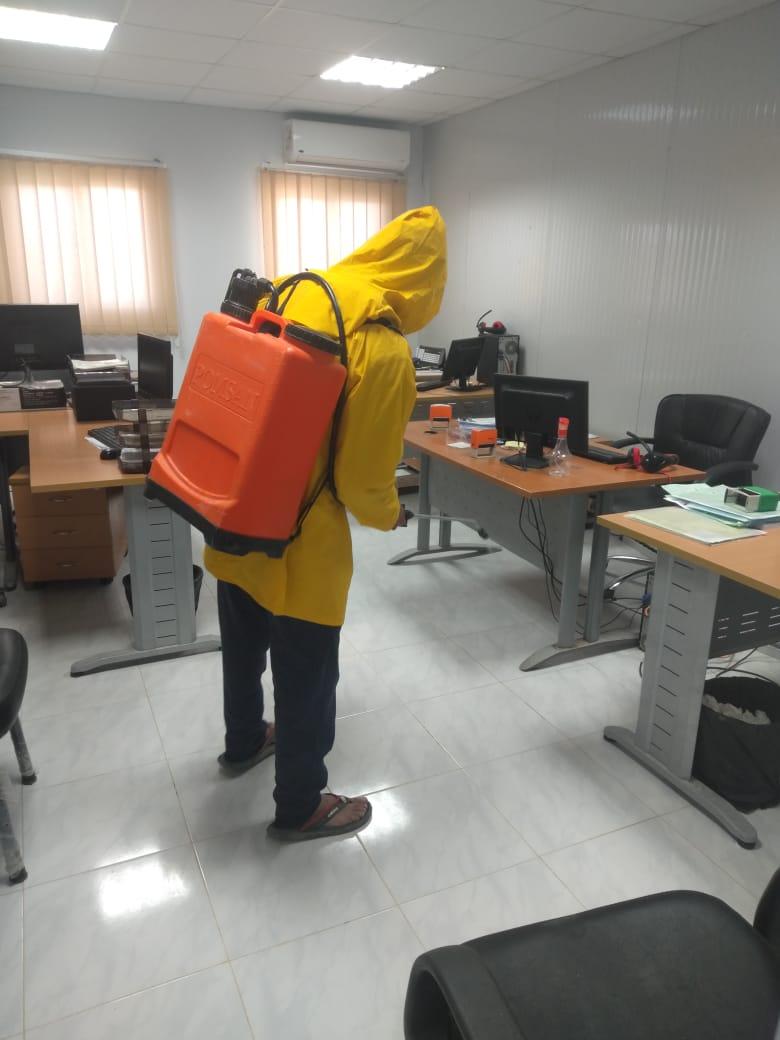 اعمال تطهير المواقع والمشروعات بمدينة العلمين الجديدة (5)