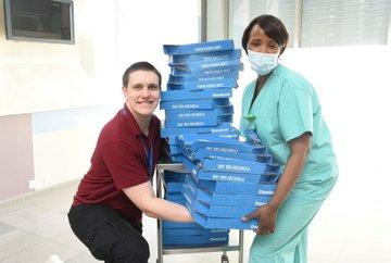 وجبات البيتزا مع الاطباء (1)