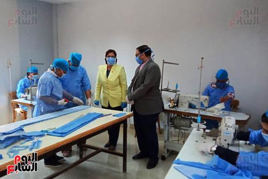 تصنيع-الكمامات-بجامعة-بنها-(1)