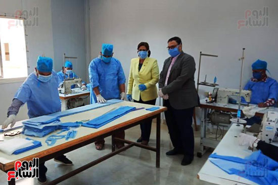 تصنيع-الكمامات-بجامعة-بنها-(3)
