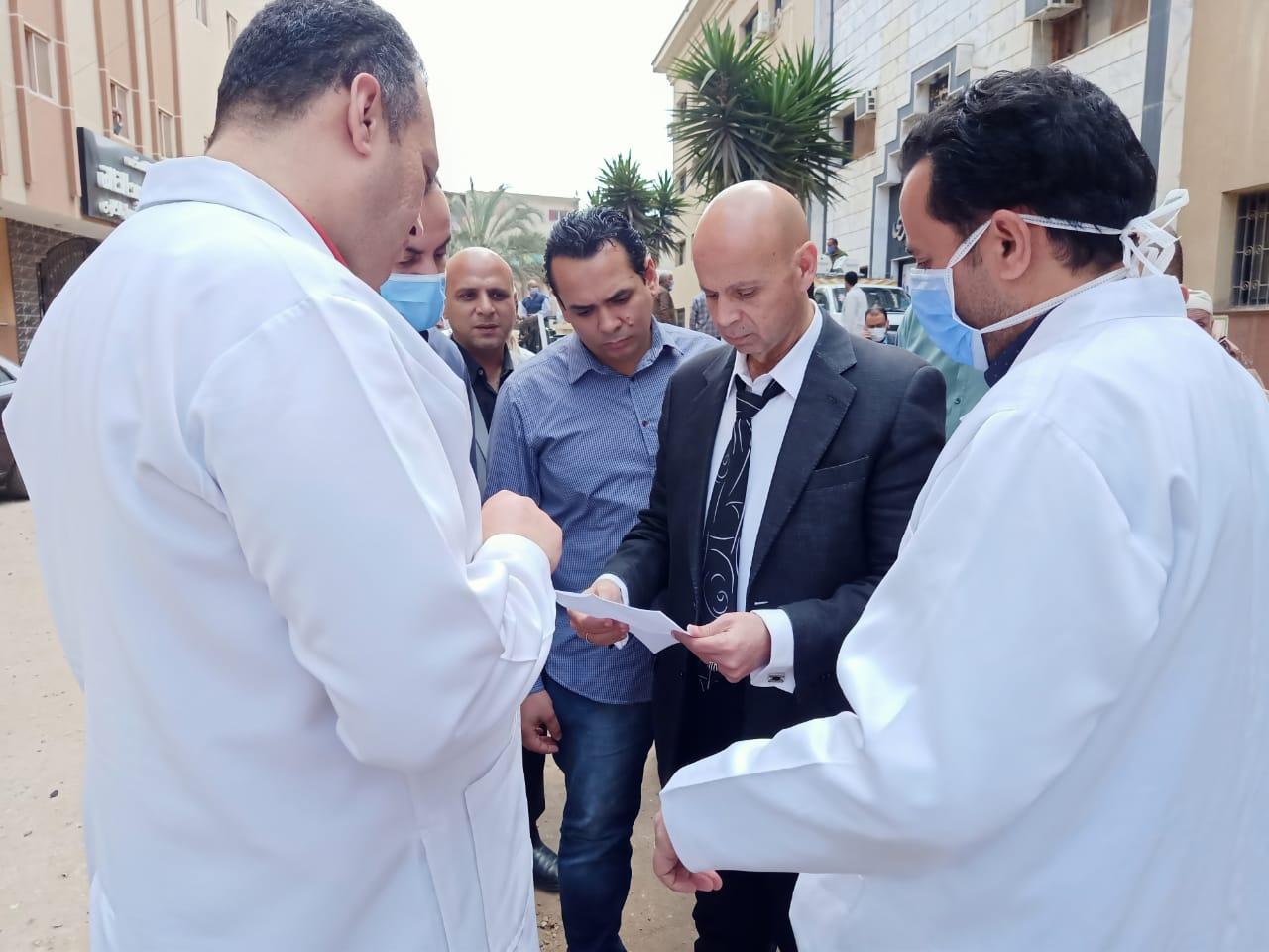 جانب من جولة وكيل وزارة الصحة (1)