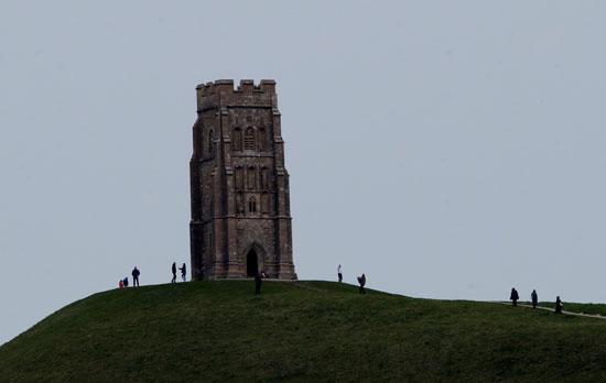 برج سانت مايكل بعد إلغاء مهرجان جلاستنبري