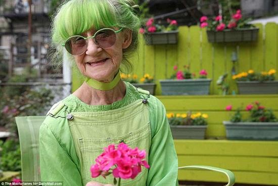 السيدة الخضراء (4)