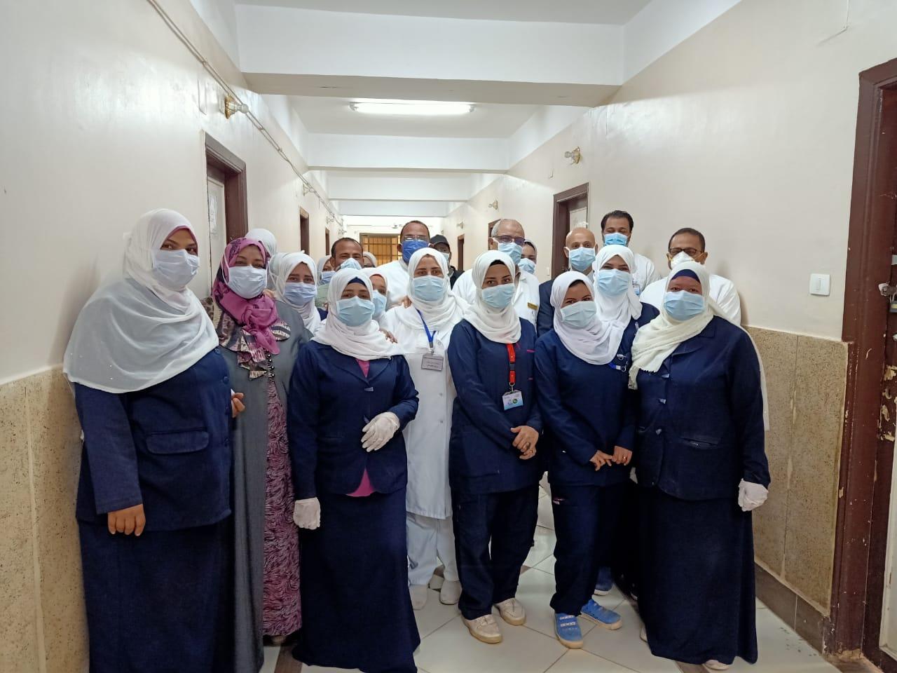 وكيل صحة الشرقية يزور مستشفيي الحميات والصدر  (4)