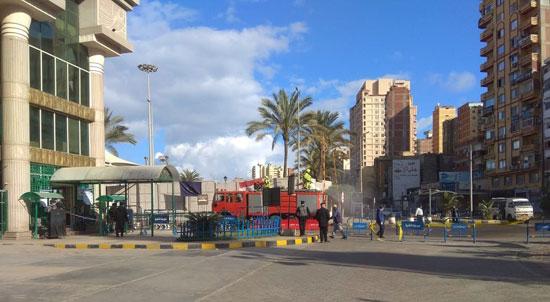تكثيف-عمليات-التعقيم-للمبانى-والأرصفة-بميناء-الإسكندرية-(1)